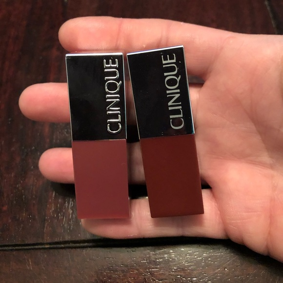Lot of Clinique lipsticks with lipliner